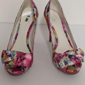 3/$50 - Pretty bow open toe satiny floral stiletto